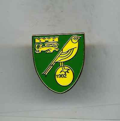 Norwich City  Fc   Football Pin Badge