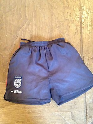 England Shorts Boys Umbro Size LB, 24-26""