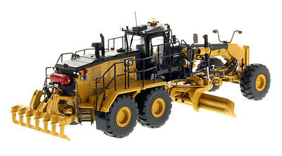 CATERPILLAR 18M3  Motor Grader / 1:50 Scale - 85521