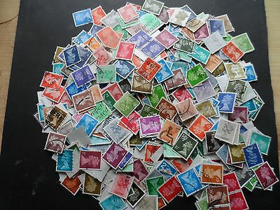 40 grms approx 600 stamps G.B off paper definatives used unchecked lot 5