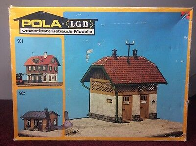 Pola Lgb 903 Toilet Block With Four Opening Doors - G Scale Model