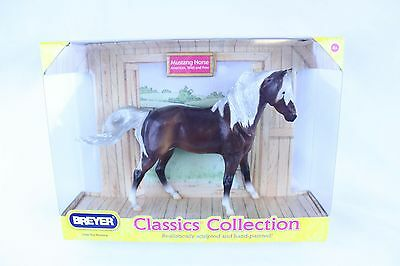 Breyer Horse#934 Silver Bay Mustang Classic Collection New In Box