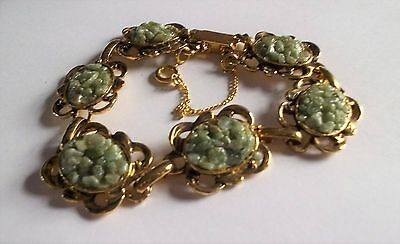 Vintage 1960S Detailed Gold Tone Green Jade Chips Bracelet With Safety Chain