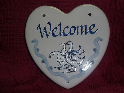 """Louisville Stoneware Gaggle of Geese 3 Goose Welcome Sign 7"""" Tall x 6 1/2"""" Wide"""