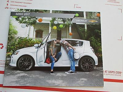 2017 17 Chevrolet Chevy Sonic Show Room Gm Dealer Sales Brochure 20+ Pages