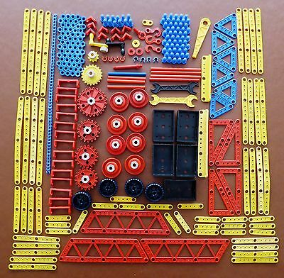 Vintage Plastic Meccano Job Lot - Over 290 Pieces In Good Used Condition