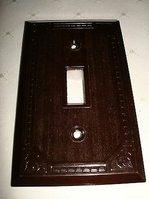 Vintage Hale Bros. Bakelite Single Toggle Brown Ribbed Wall Plate Nos Maple Leaf