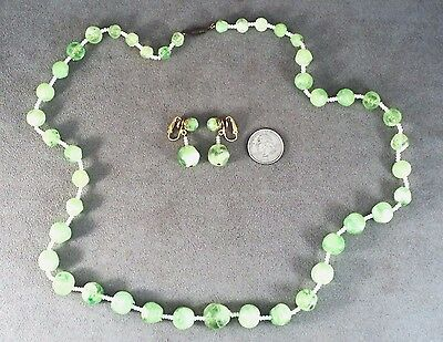 Vtg Green Swirl & White Bead Graduated Necklace & Dangle Earring Set - Estate