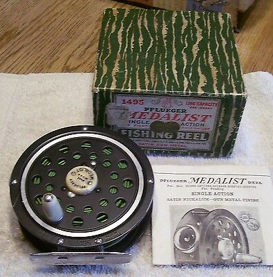 """Pflueger Medalist 1495 Fly Reel   02/01/17Mw Box + Papers Super Nice 3-5/8"""""""