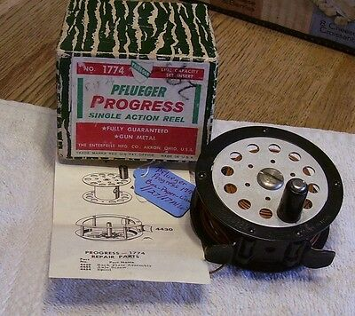 """Pflueger Progress 1774 Fly Reel 02/01/17Mw Box + Papers  Excellent 3-5/8"""" Line"""