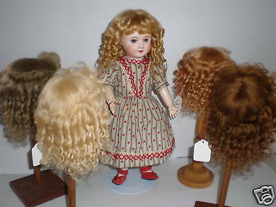 PERRUQUE en MOHAIR pour POUPEE ancienne  -DOLL WIG -T2 (20,5cm)  Made in France