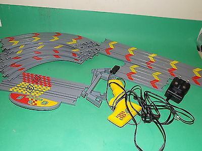 MICRO SCALEXTRIC MY FIRST SCALEXTRIC SET 9 Pieces of TRACK + Controller+ power