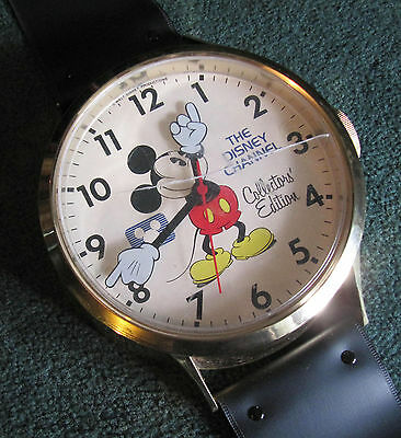 Rare Vintage The Disney Channel Collectors' Edition Mickey Mouse Wall Watch