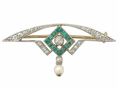 0.28 ct Emerald and 0.25 ct Diamond, 18 ct Yellow Gold Brooch - Antique