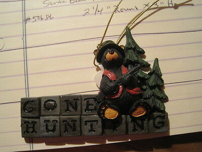 Bearfoots Bear Gone Hunting Tree  Ornament with Hanging string Big Sky Carvers