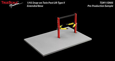 'SNAP-ON' TWIN POST HOIST TYPE II / EXTENDED BASE - 1:43 Scale by Greenlight