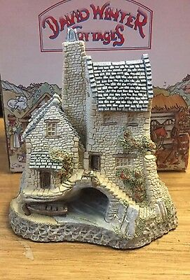 David Winter figurine Tamar Cottage 1986 West Country Collection
