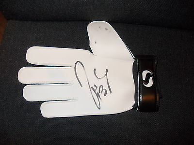 Willy Cabellero Signed Goalkeeper Glove Coa Manchester City Argentina New