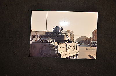 EARLY OPERATION IRAQI FREEDOM 1st ARMORED DIVISION PHOTO - BRADLEY COMMANDER