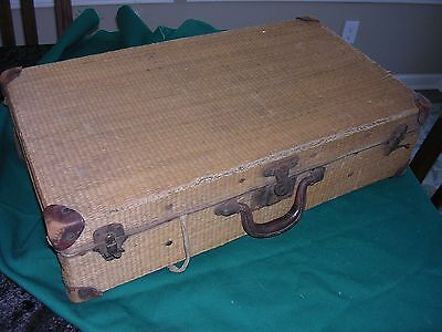 100 YR OLD VICTORIAN 1900'S ANTIQUE WICKER Rattan straw Woven suitcase luggage
