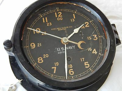 WW2 US NAVY Chelsea Clock USN Bakelite  24hr Clock w/ Key Works