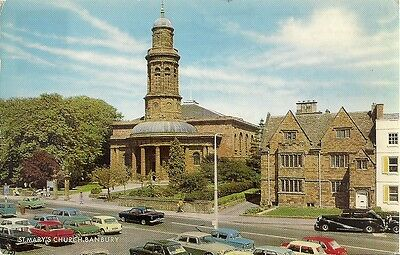 RARE OLD POSTCARD - ST MARYS CHURCH - BANBURY - OXFORDSHIRE 1969 Vintage Cars
