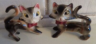 Vintage CAT shakers Japan salt pepper wearing bows 1 cork 1 sticker porcelain