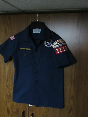 Official Cub Scouts Uniform Short Sleeve Size youth medium  BSA boy PATCHES