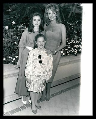 1987 DEIDRE HALL, SHANNON DOHERTY & KARI HOULIHAN Vintage Original Photo gp
