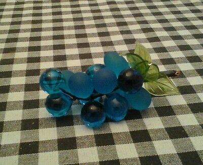 """Bunch of Glass Grapes! Decorative!! Great gift idea!!!! Blue!! 4""""×2"""""""