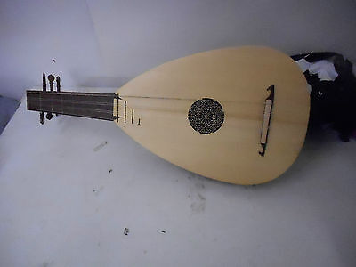 Renaissance Lute 6 string with bag left handed