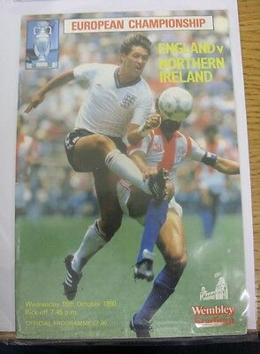15/10/1986 Autographed Programme: England v Northern Ireland [At Wembley] Hand S