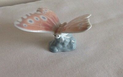 Fine Vintage NAO Lladro Porcelain Figure Of A Butterfly