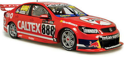 2016 Sandown Retro Round Livery  Lowndes /Richards 1:18 Classic Carlectables