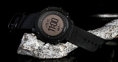 Suunto Traverse Alpha Stealth Military Uhr Modell SS022469000