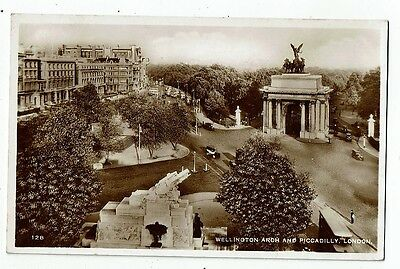 Post Card Real Photo Wellington Arch And Picadilly London