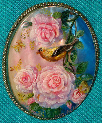 """AMAZING! """"Bird With A Rose"""" Russian Hand Painted Fedoskino MOP Lacquer BROOCH"""