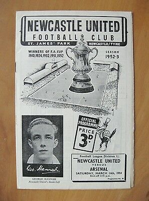 NEWCASTLE UNITED v ARSENAL 1952/1953 *Excellent Condition Football Programme*