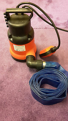 250W Submersible Water Pump With 5 Metre Lay Flat Hose