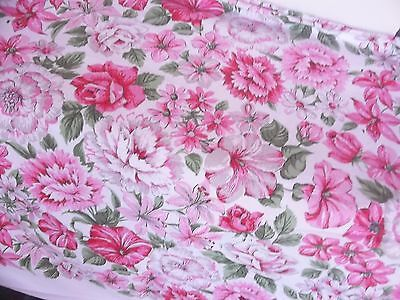 Lot Group of Four Tablecloths Small & Large Pink Flowers Solids Embroidery