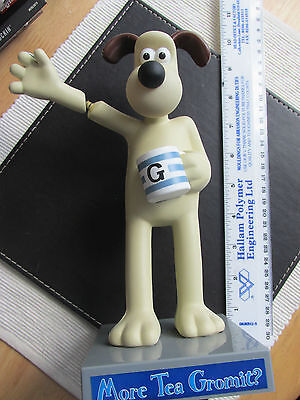 More Tea Gromit - Plastic Figurine 1990's = Wallace & Gromit Official Product