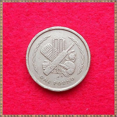 1997 £1 ONE POUND COIN FROM THE ISLE OF MAN. Cricket.