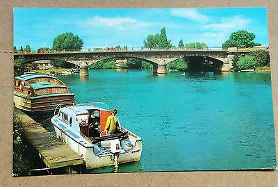 Bridge and River Thames, Staines, Middlesex, Postcard