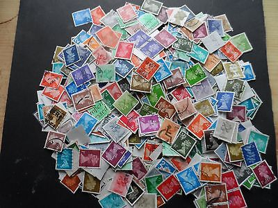 40 grms approx 600 stamps G.B off paper definatives used unchecked lot 1