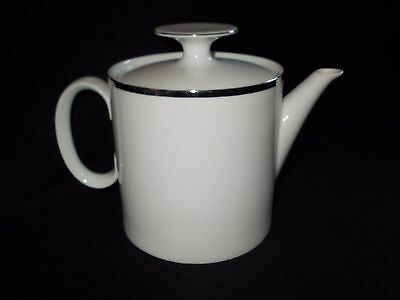 THOMAS MADALLION PLATINUM BAND 1.5 PINT TEAPOT 4mm BAND UNUSED