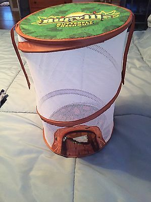 Spin Master Bugville Butterfly Tree House free praying mantis egg case Cert. EUC