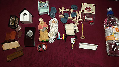 J  -Dolls House Oddments, Various Bits And Bobs