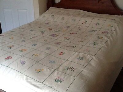 """BEAUTIFUL VINTAGE HAND EMBROIDERED BED COVER SPRING FLOWERS 94""""x88"""""""