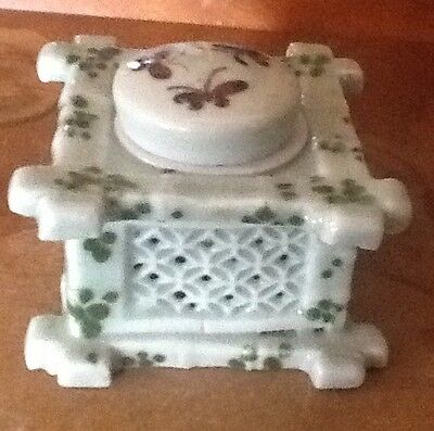 Antique Chinese Porcelain Celadon Ink Well