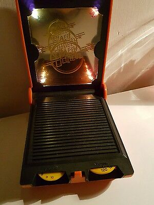 VINTAGE NOVELTY DISCO DANCING  RADIO/ Lights FROM THE 1980s